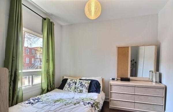 1 Bedroom Condo near the city center, location de vacances à Saint-Bruno-de-Montarville