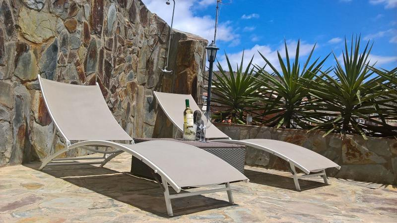 Casa Zen,Relaxing Triplex with Free Unlimited WIFI, location de vacances à Cornisa del Suroeste