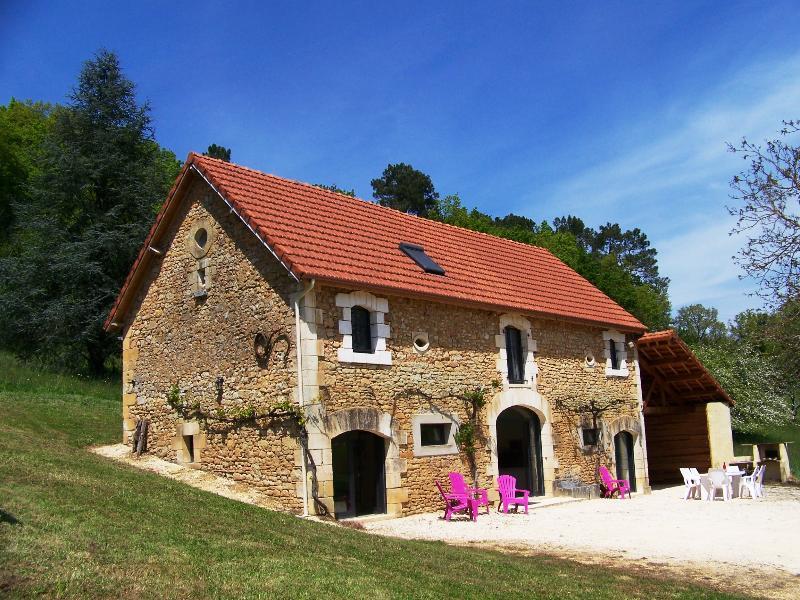 Ancienne grange en pierre 160m² à Sarlat, aluguéis de temporada em Sarlat-la-Canéda