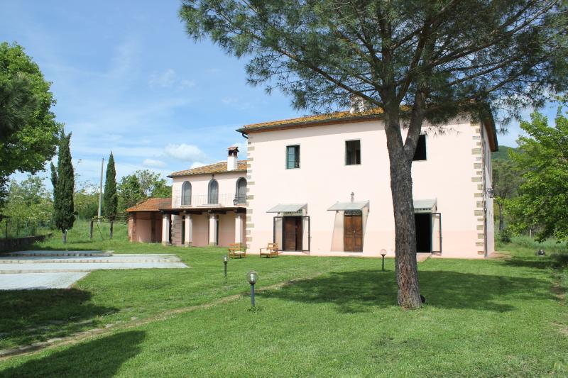 Villa Sant'Andrea, holiday rental in Alberoro