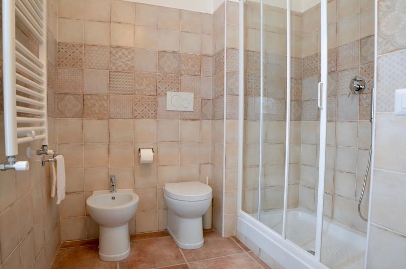 Dettaglio bagno in camera Millefiori