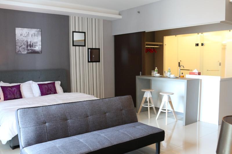 De Houz Standard Deluxe Type Room, holiday rental in Klang