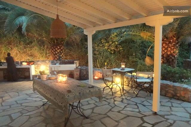 Gorgeous beachfront bungalow, vacation rental in Kassandrino