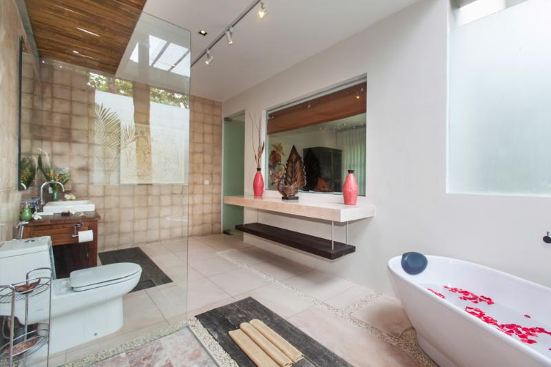 Tranquilla 3 camere da letto Villa Seminyak - Villa Liang