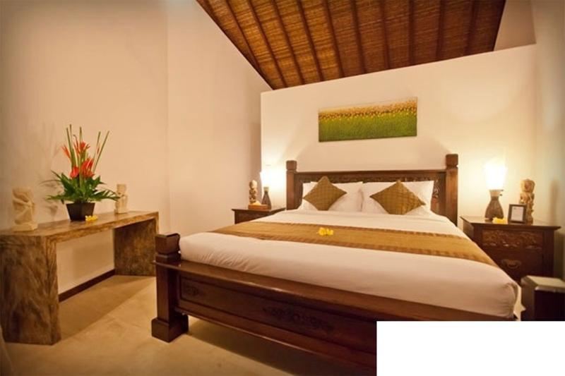 Seminyak Center 3 Bedrooms – Villa Origami