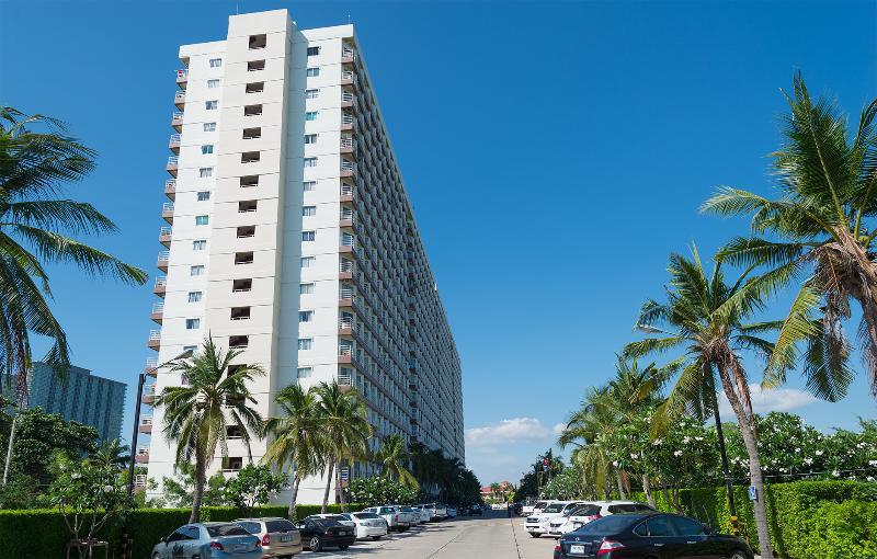 Jomtien Beach Condominium, S1 Building
