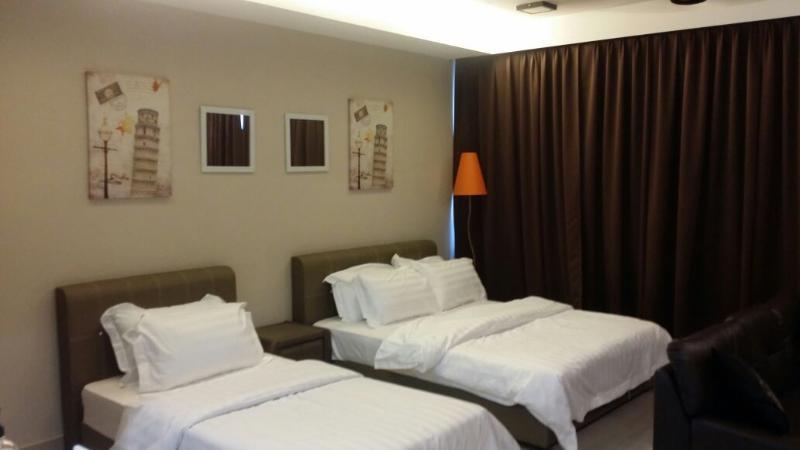 De Houz Triple Deluxe Studio Type Room, holiday rental in Klang