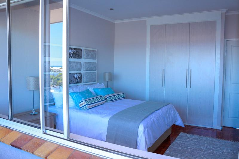 Cape Town 200m from Lagoon beach with great views., location de vacances à Woodstock