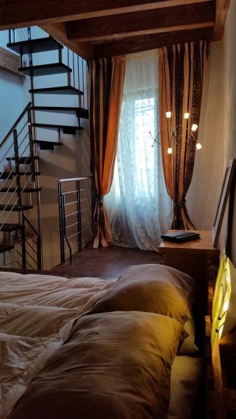 LA DIMORA SOTTO IL CASTELLO, holiday rental in Monforte San Giorgio