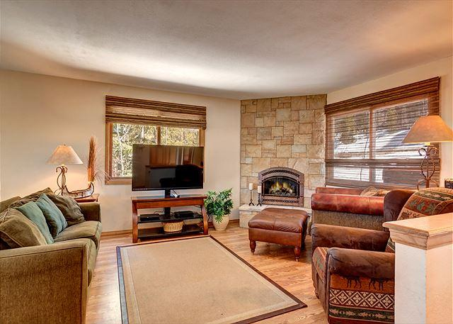 Peak 7 Hideaway Living Area Breckenridge Lodging Vacation Rental