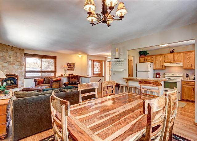 Peak 7 Hideaway Dining Area Breckenridge Lodging Vacation Rental