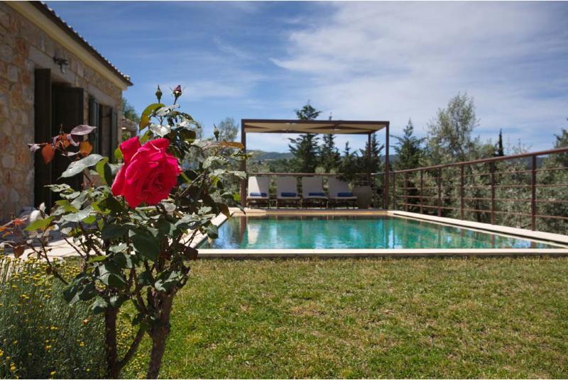 ASPLATHIA VILLA DAFNE, vacation rental in Kavallos