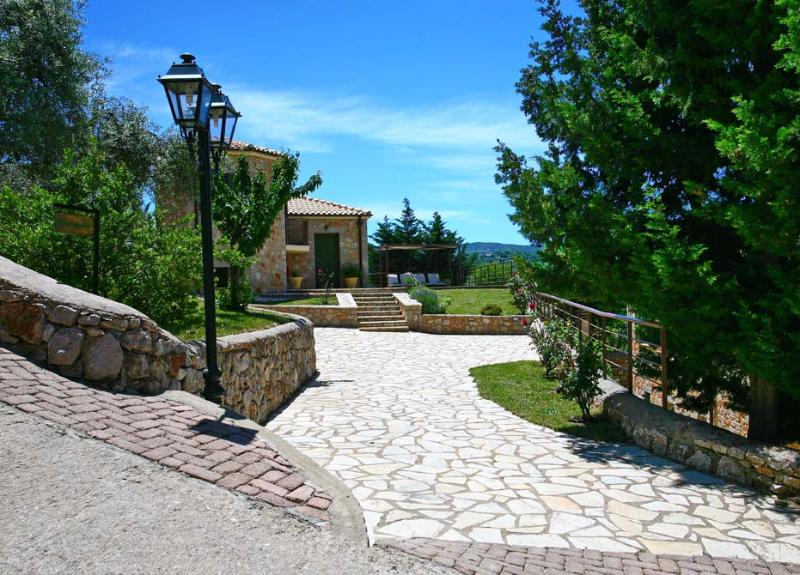 ASPLATHIA VILLA ANEMONE, vacation rental in Kavallos
