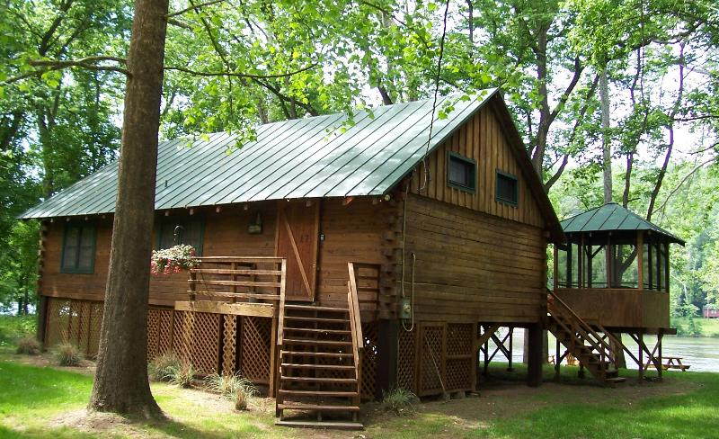 Shenandoah Shores Riverfront Log Cabin