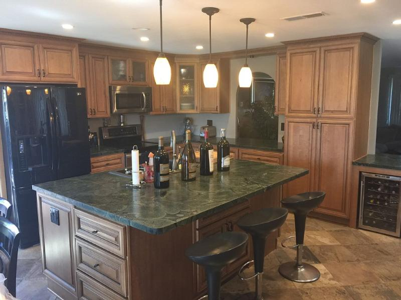 Large, Open Area Newly Renovated Kitchen!