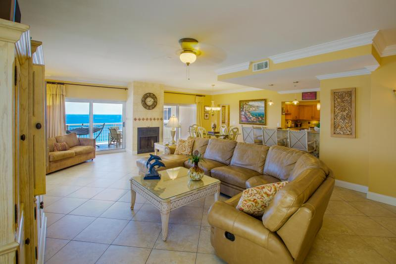Great room of Villa Champagne with fabulous Gulf and beach views.