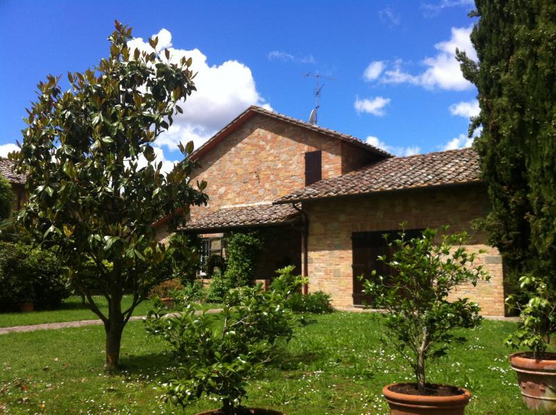Appartamento in villa in stile toscano, Ferienwohnung in Sovicille
