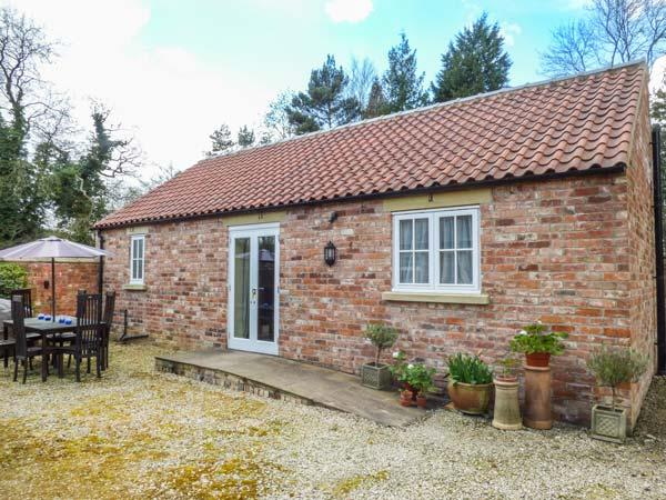 STABLE COTTAGE, pet-friendly, single-storey cottage, underfloor heating, close, location de vacances à Coneysthorpe