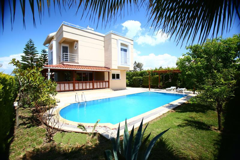 Paradise Town Villa Royal, vacation rental in Belek