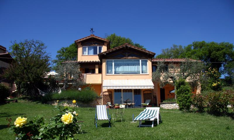 Appartamento panoramico, holiday rental in San Liberato