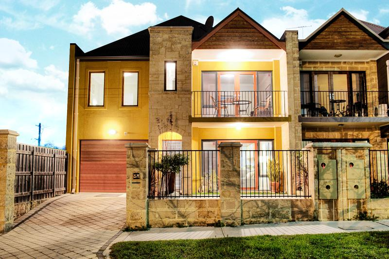 Redfern House, holiday rental in Tuart Hill