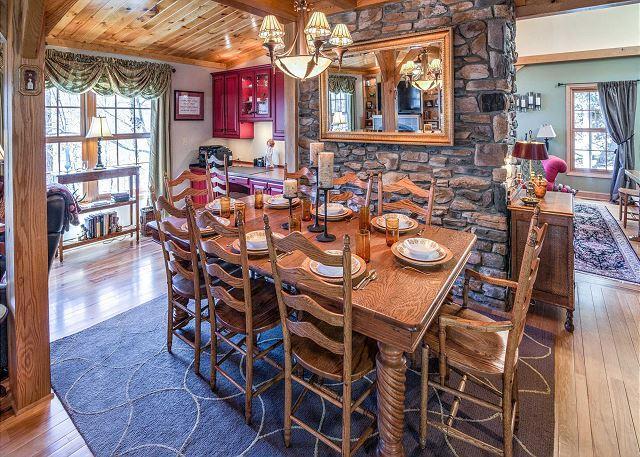 Área de refeições acomoda 12