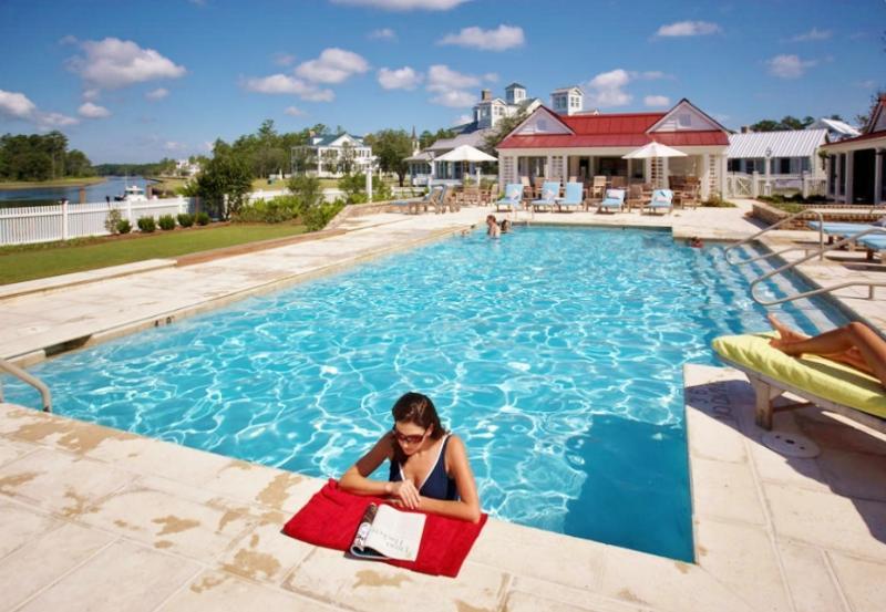 Pool at the Harbor Club