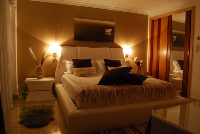 Swan suite