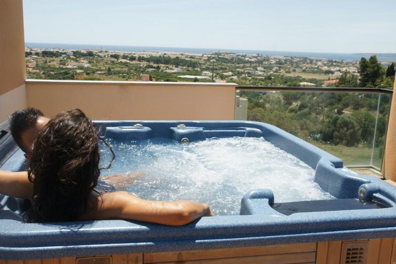 private jacuzzi on the roof terrace overlooking the ocean