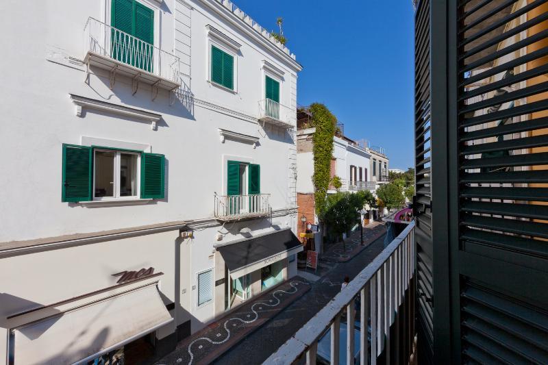 Veduta dal balcone su Corso Vittoria Colonna