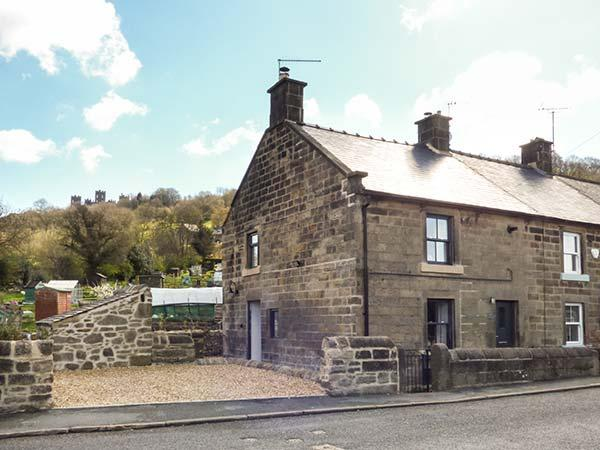 ROSE COTTAGE stone-built period cottage, garden, WiFi, woodburning stove, in, holiday rental in Tansley