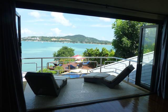 balcón y vista al Maestro