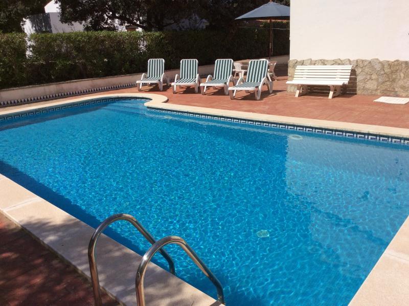CHALET 6 PERSONAS PISCINA PRIVADA Y PARKING, holiday rental in Cala Galdana