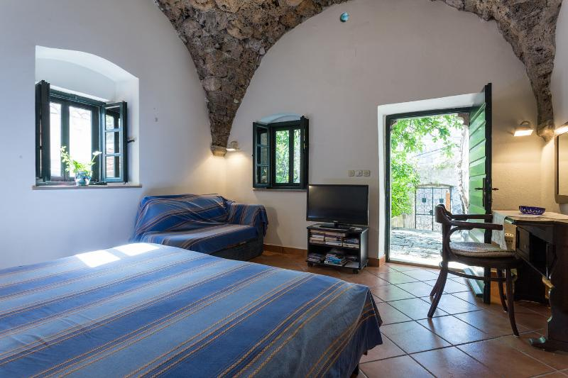 Classique apartment Dubrovnik-Cavtat, vacation rental in Cavtat