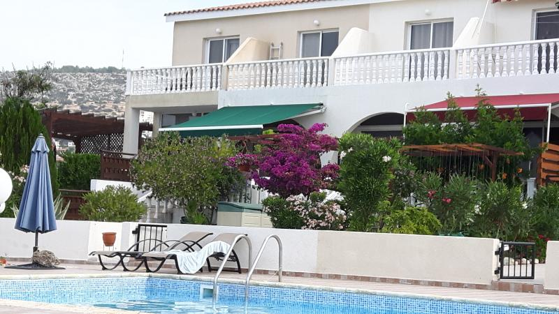 'Επιγειος Παραδεισος'....... ' A Heaven on Earth ' in Peyia, Paphos, Cyprus, vacation rental in Peyia