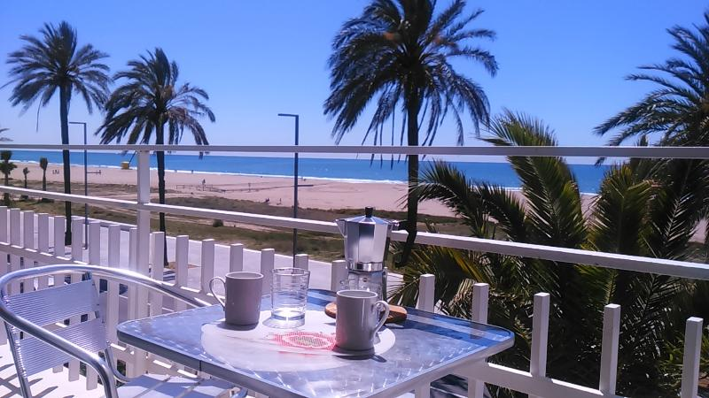 BeachFront Apt.5 with balcony + view by Barcelona, vacation rental in Cervello