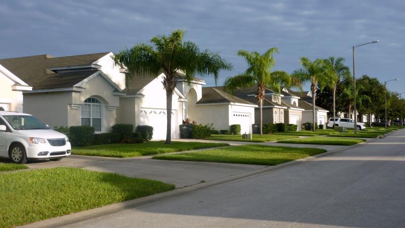 Sun Palm Drive, Windsor Palms