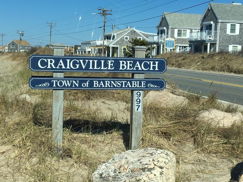 Walk to the beach!!, holiday rental in Centerville
