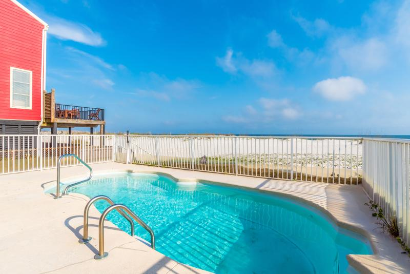 Triple Seas 5BR WITH pRIVATE pOOL!