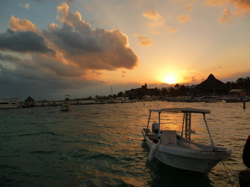Puestas de Sol que pueden Admirar desde las playas cercanas
