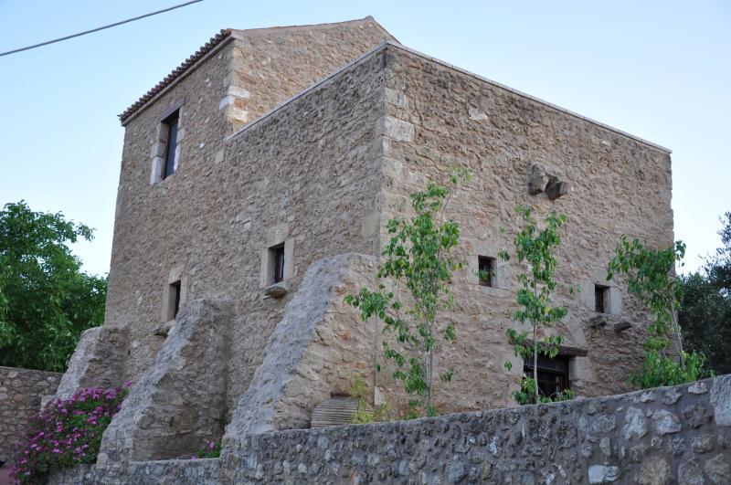 Pyrgos 1869, holiday rental in Laconia Region