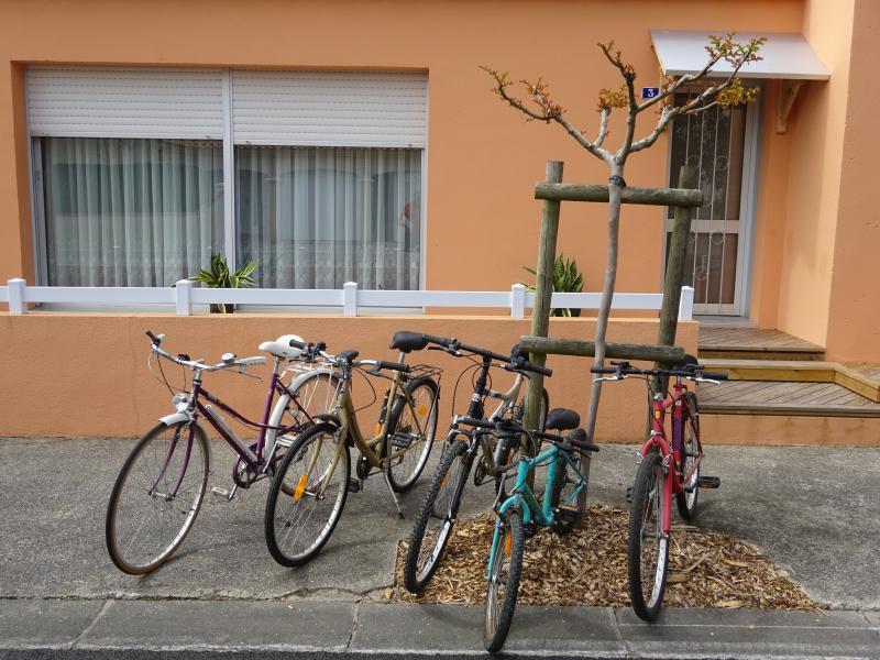 5 vélos (en état de marche) un 20', un 24' et trois 26'