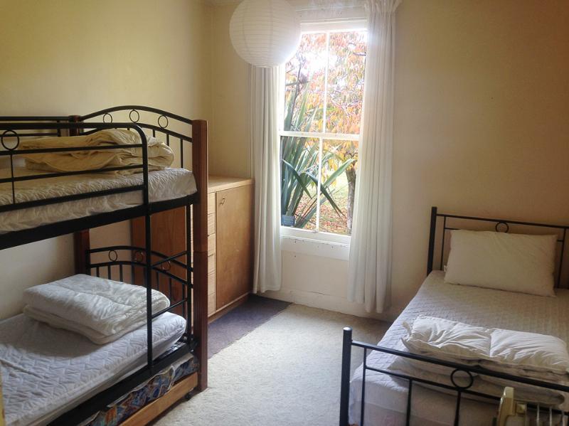 Bunks & single bed