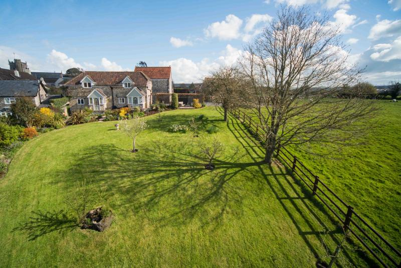 Valley Farm Holiday Cottages - Horseshoe Cottage till vänster (hund vänliga)