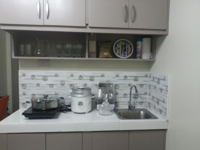Kitchen with Microwave, Rice cooker, Bar fridge
