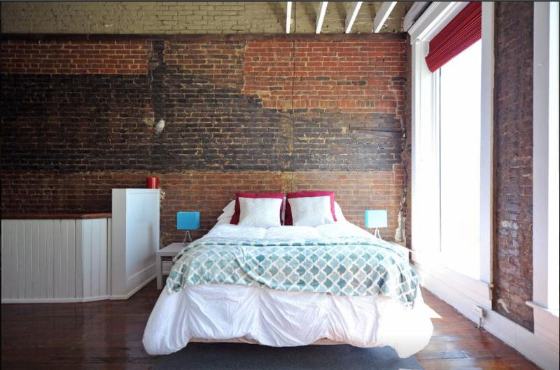1st Bedroom-Queen Bed
