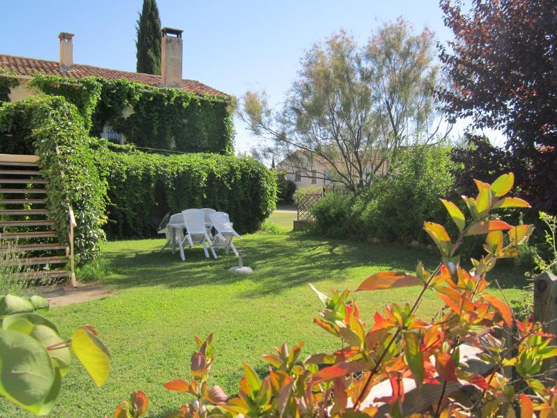Gîte Les Cèdres en Luberon, aluguéis de temporada em Saint-Martin-de-la-Brasque