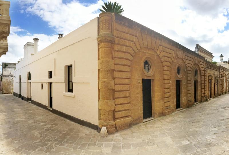 Eleganti Suites in Palazzo Storico del 700, casa vacanza a Presicce