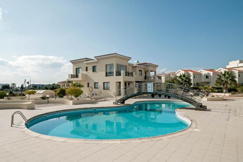 Inviting, fully serviced pool with sea view for a refreshing swim