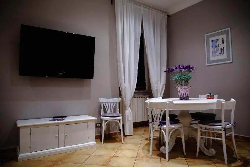 soggiorno e tavolo da pranzo